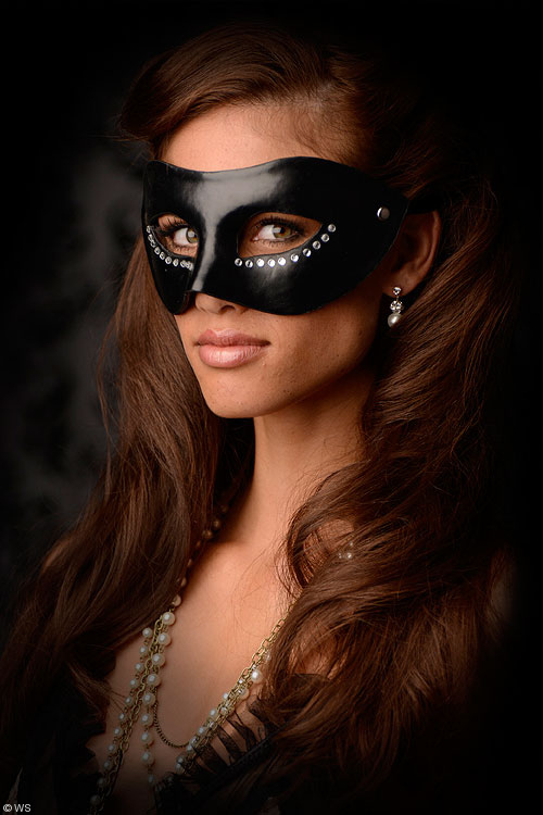 GreyGasms Masquerade Mask